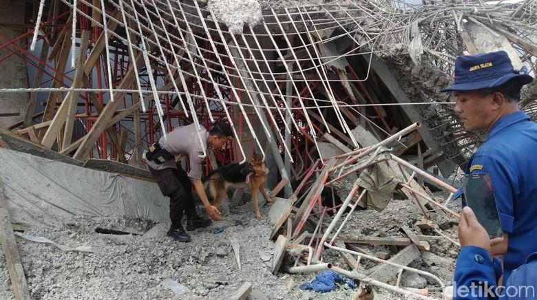 Sudah 26 Jam, 1 Pekerja Tertimbun Bangunan di PIK Belum Ditemukan