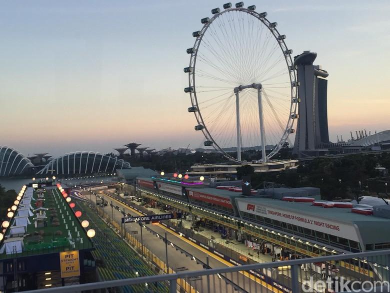 Grand Stand F1 GP Singapura difoto dari atas Foto: Dadan Kuswaraharja