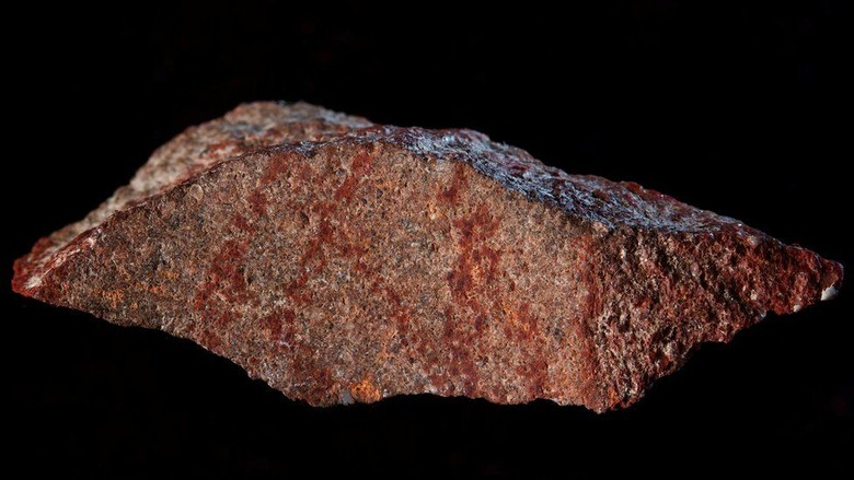 Lukisan Tertua Ditemukan pada Batu Kecil di Afrika Selatan