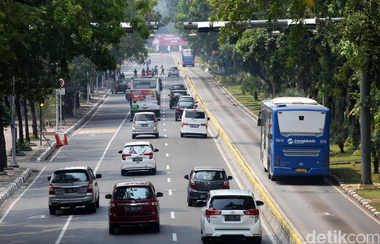 Wacana penerapan pembatasan kendaraan dengan sistem electronic road pricing (ERP). Foto: Agung Pambudhy