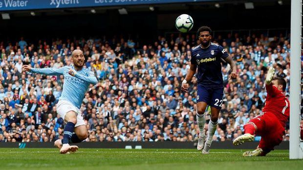 David Silva bisa memecahkan rekor bila dimainkan pada laga lawan Wolverhampton Wanderers.