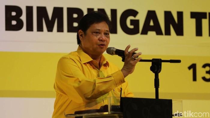 Ketua Umum Partai Golkar Airlangga Hartanto menutup workshop kampanye dan bimbingan teknis. Dirinya memberikan beberapa arahan kepada para caleg Golkar.