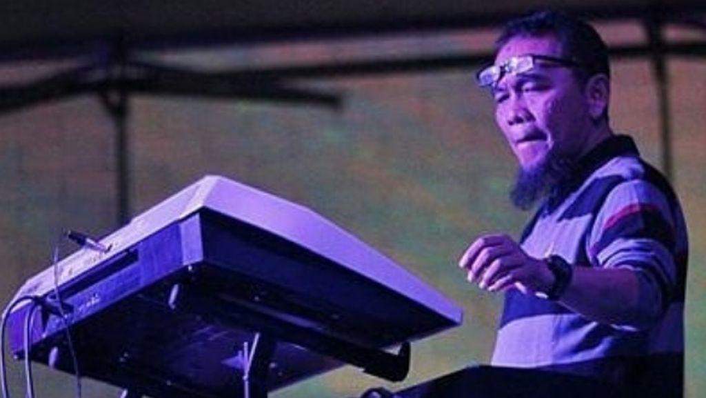 Neno Warisman Kenang Debby Nasution, Sosok Guru Sejati