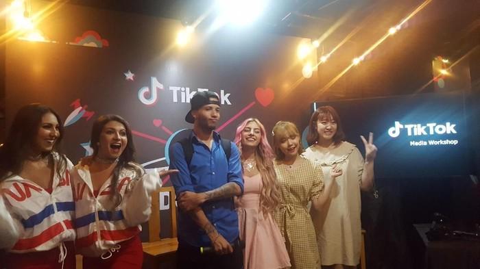 Para kreator global saat di acara ulang tahun Tik Tok. Foto: Muhamad Imron Rosyadi/detikINET