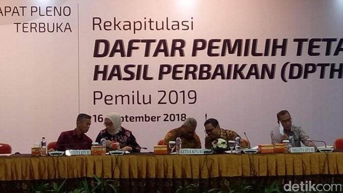 Rapat pleno KPU untuk perbaikan DPT (Foto: Fida)