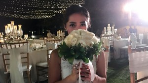 Pegang Mawar Putih, Gracia Indri Didoakan Segera Menikah