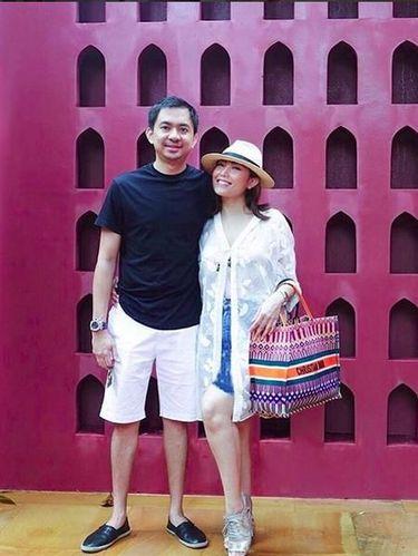 Ayu Dewi dan suami