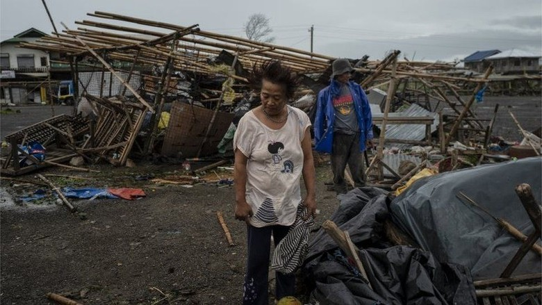 Tewaskan 14 Orang di Filipina, Topan Mangkhut Bergerak ke Hong Kong