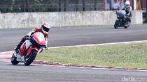 Tunggangi Motor Marquez Versi Jalan Raya, Ini Kata Pebalap