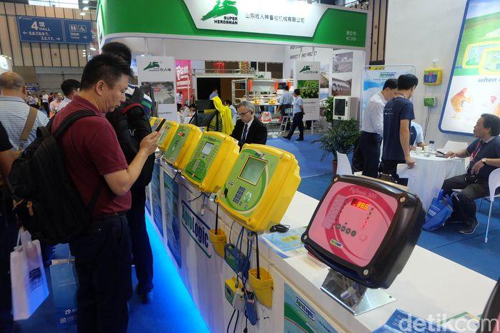 Alat pengontrol suhu kandang ayam menjadi salah satu inovasi teknologi yang dipamerkan di VIV China 2018.