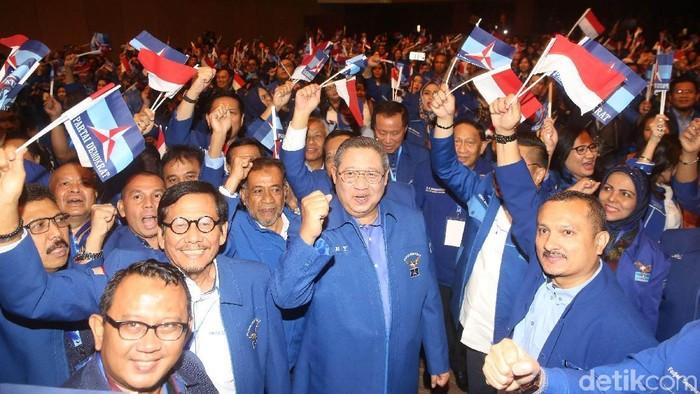 Ketua Umum Partai Demokrat Susilo Bambang Yudhoyono memberikan pidato politik pada HUT ke-17 Partai Demokrat di Djakarta Theater, Jakarta Pusat, Senin (19/9/2018).