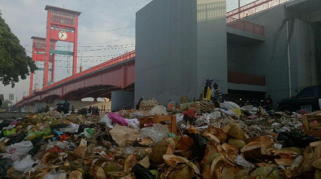 Video: Sampah di Sungai Musi, Datang Lagi dan Datang Lagi