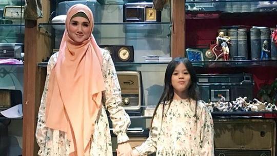 Mulan Jameela Ngaku Punya 5 Anak, Siapa Saja?