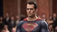 BATMAN V SUPERMAN: DAWN OF JUSTICE, Henry Cavill as Superman, 2016. ph: Clay Enos /© Warner Bros. / courtesy Everett Collection