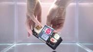 Buka Makanan dalam Air, Wet Unboxing Jadi Tren Terbaru di YouTube
