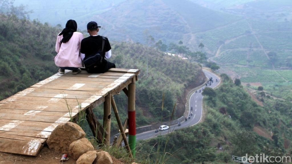 Jalan Buntu di Pangalengan yang Asyik Buat Foto-foto
