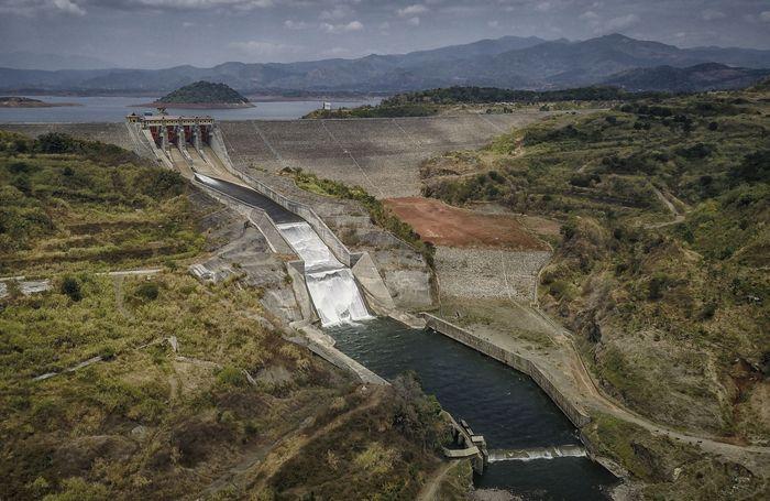 Dengan kapasitas tampung 979,5 juta meter kubik dan luas sekitar 5.000 hektar, waduk ini pun menjadi waduk terbesar kedua di Indonesia. Foto: AntaraFoto/Raisan Alfarisi