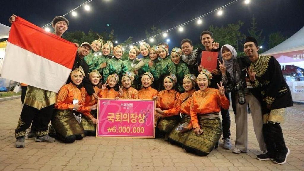 Komunitas Seni Tari Rampoe UGM Menang Kompetisi di Korea