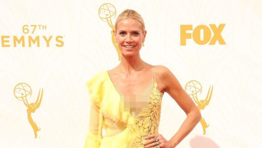 10 Selebriti Ini Pernah Pakai Gaun Norak ke Emmy Awards