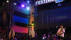 Armada Tutup Festival Pinisi 2018 dengan Meriah