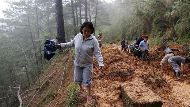 Topan Mangkhut, Petani Filipina Pertaruhkan Nyawa Jaga Sawah