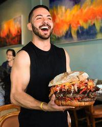 Wouw! Burger Jumbo Beragam Isi Ini Beratnya Mencapai 5.8 kg