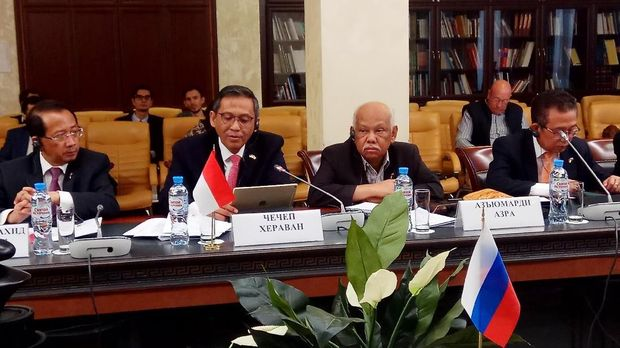 Direktur Jendera Informasi dan Diplomasi Publik Kementerian Luar Negeri, Cecep Herawan memimpin Delegasi Indonesia pada Dialog Lintas Agama dan Lintas Media Indonesia-Rusia di Moskow, 14 September 2018.