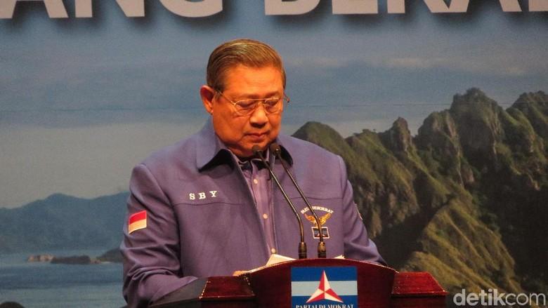 Soal Asia Sentinel, Hanura: SBY Kok Ngumpet di Balik Foto Moeldoko?