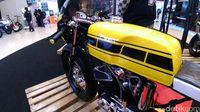 Yamaha RX King Disulap Jadi Cafe Racer.