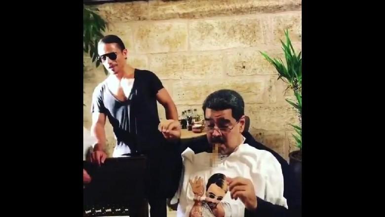 Presiden Venezuela Makan Steak Mahal Salt Bae di Turki, Rakyatnya Marah