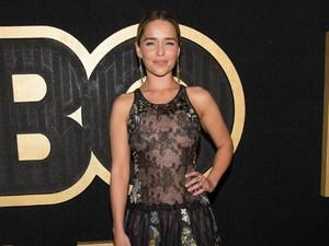 Adegan Tanpa Busana Jadi Alasan Emilia Clarke Tolak Peran Fifty Shades