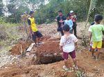 Cerita Penggali Kubur 3 Jasad Sekeluarga di Ciamis yang Masih Utuh