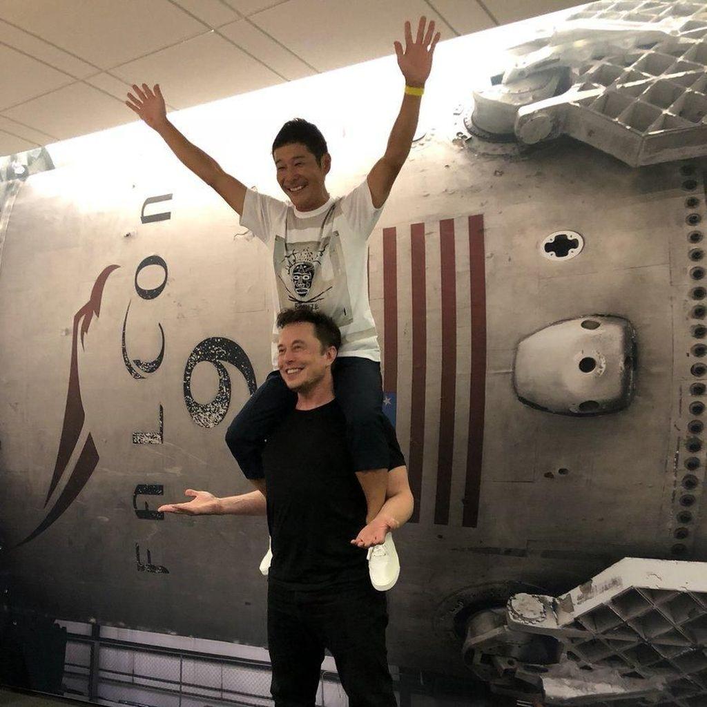 Elon Musk Temani Yusaku Maezawa Terbang ke Bulan?