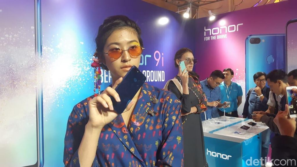 Honor 9i mengusung layar berukuran 5,84 inci dengan rasio screen to body 79,5%. (Foto: detikINET/Virgina Maulita Putri)