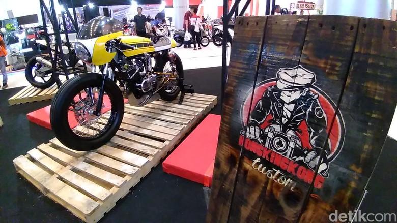 Yamaha RX King Disulap Jadi Cafe Racer. Foto: Deny Prastyo Utomo
