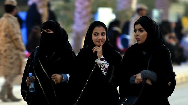 Mahasiswi Universitas di Arab Saudi Kini Boleh Pergi Tanpa Mahram
