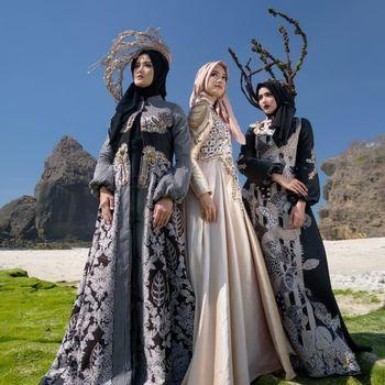 Gaun dengan bahan batik Jember yang akan dipamerkan di Paris Fashion Week.
