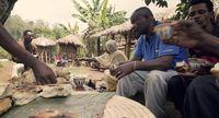 Kopi selalu menjadi teman obrolan di Bonga, Ethiopia (Thomas Lewton/BBC Travel)