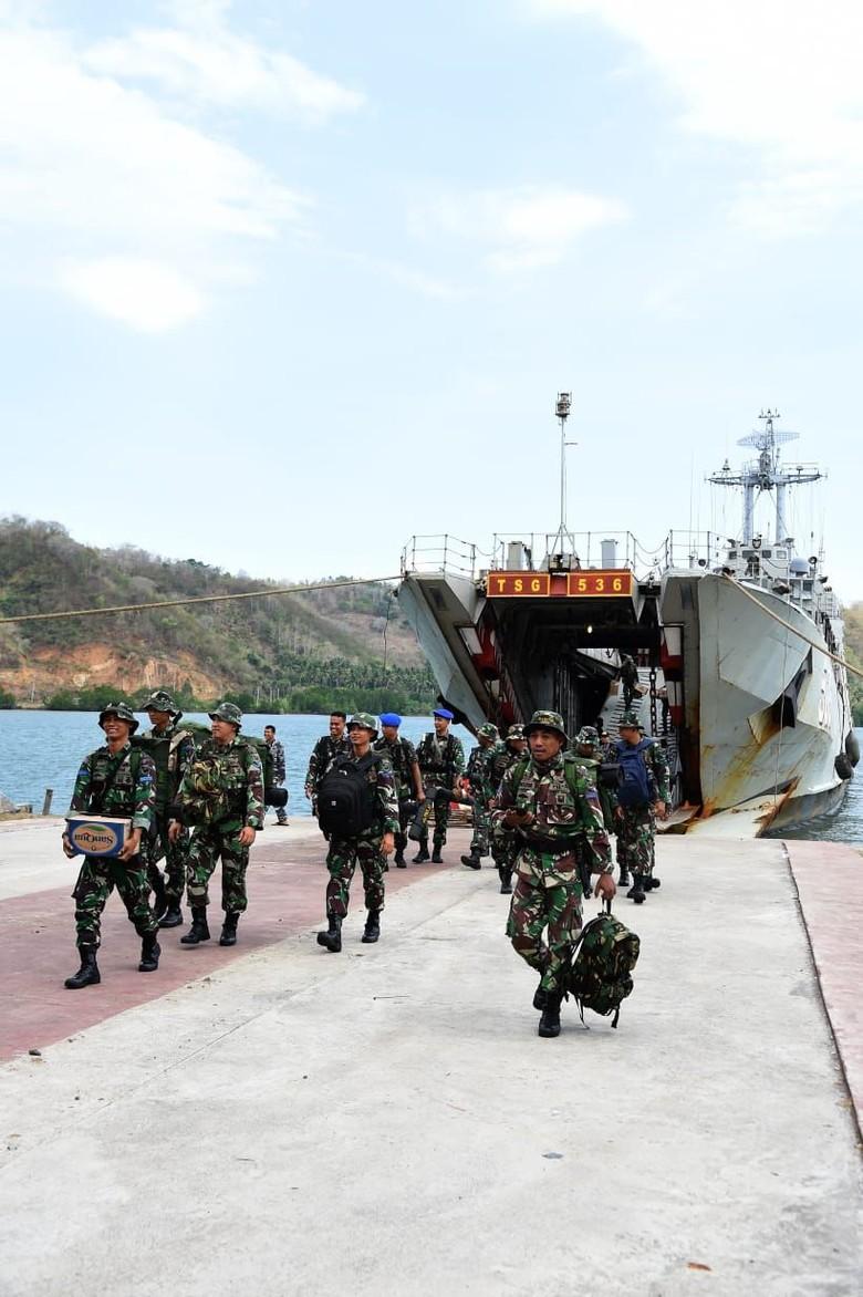 100 Prajurit Marinir Perkuat Tugas Kemanusiaan di Lombok