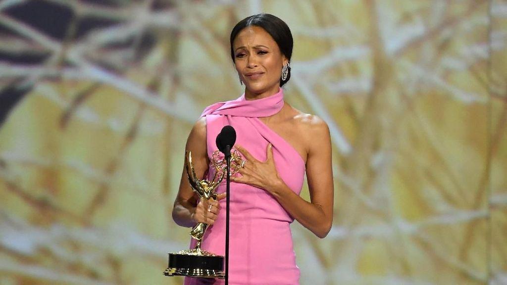 Raih Emmy, Pidato Bintang Westworld Jadi Kontroversi