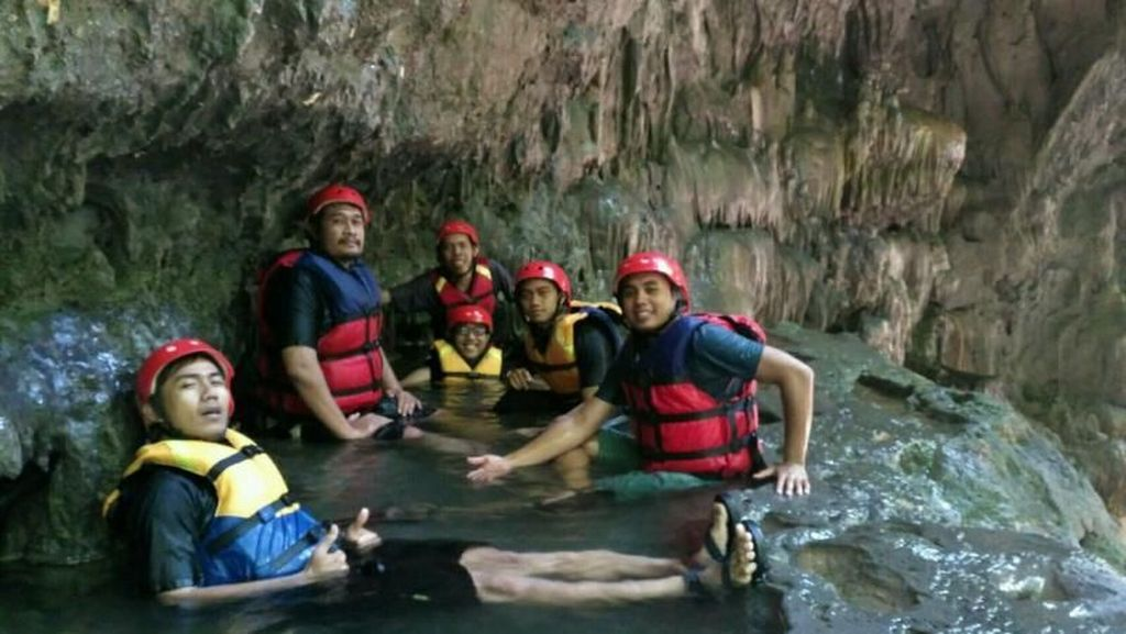Sensasi Body Rafting di Grand Canyon Pangandaran