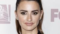 Aktris berusia 44 tahun itu tetap terlihat cantik menawan.Tibrina Hobson/Getty Images