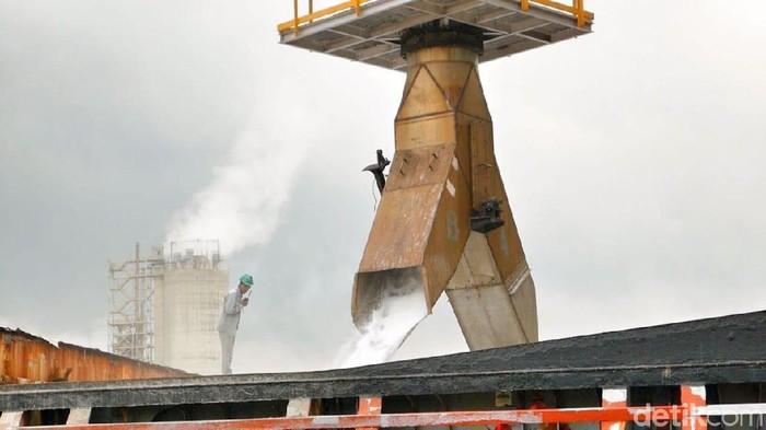 PT Pupuk Kalimantan Timur (PKT) kembali melakukan ekspor produk pupuk urea dan amonia ke luar negeri. Keuntungannya pun mencapai Rp 111 miliar.