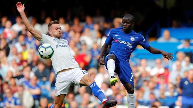 N'Golo Kante ikut membantu Chelsea mengalahkan Cardiff City 4-1. (