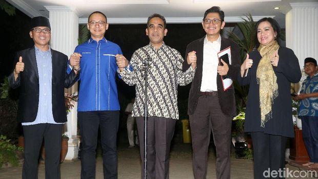 Jumpa pers usai pertemuan koalisi Prabowo-Sandiaga /