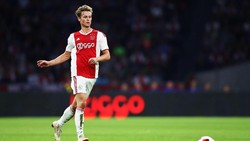 Barca Dapatkan Frenkie de Jong dari Ajax