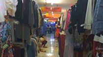 Bangkit dari Kebakaran, Pedagang Baju Senen Bertahan di Pasar Baru