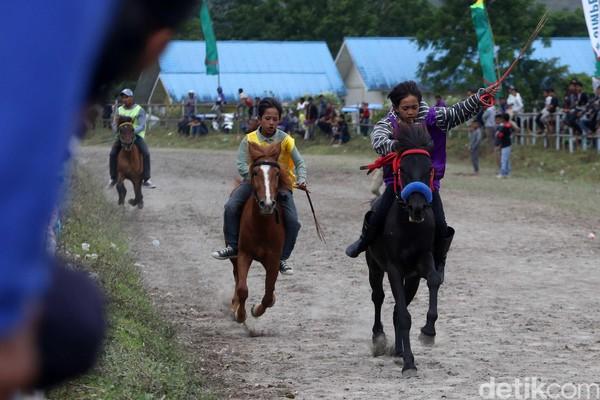 Pacuan kuda ini diharapkan dapat mengundang minat wisatawan untuk terus berkunjung ke Takengon, Bener Meriah, Gayo Lues dan Aceh Tenggara (dok Disbudpar Aceh)