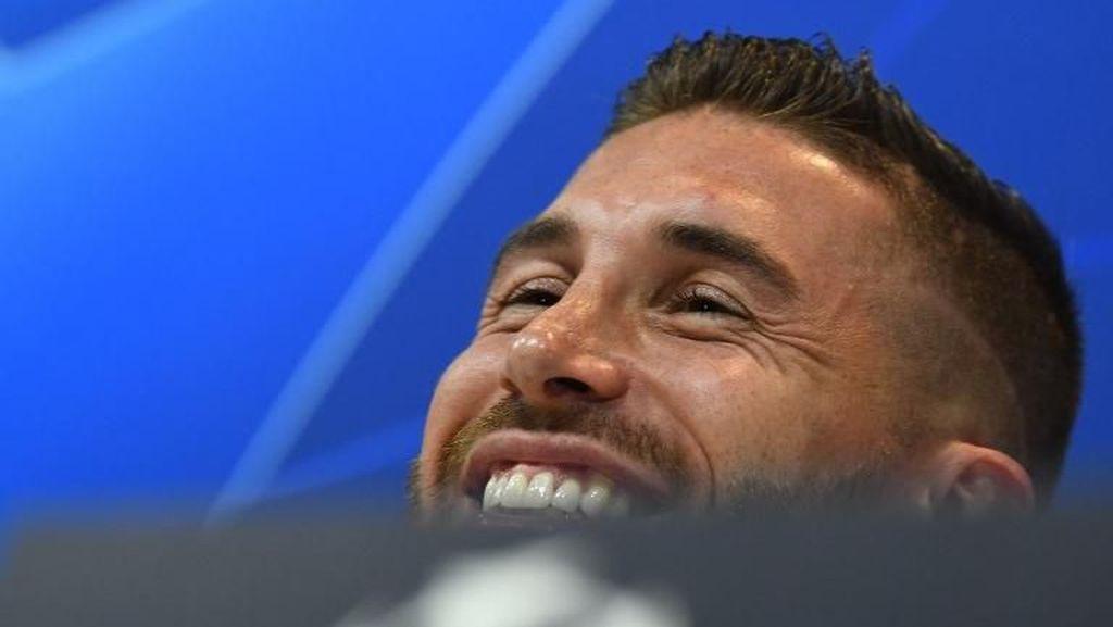 Ramos Tertawakan Griezmann Usai Pede Sejajarkan Diri dengan Messi-Ronaldo