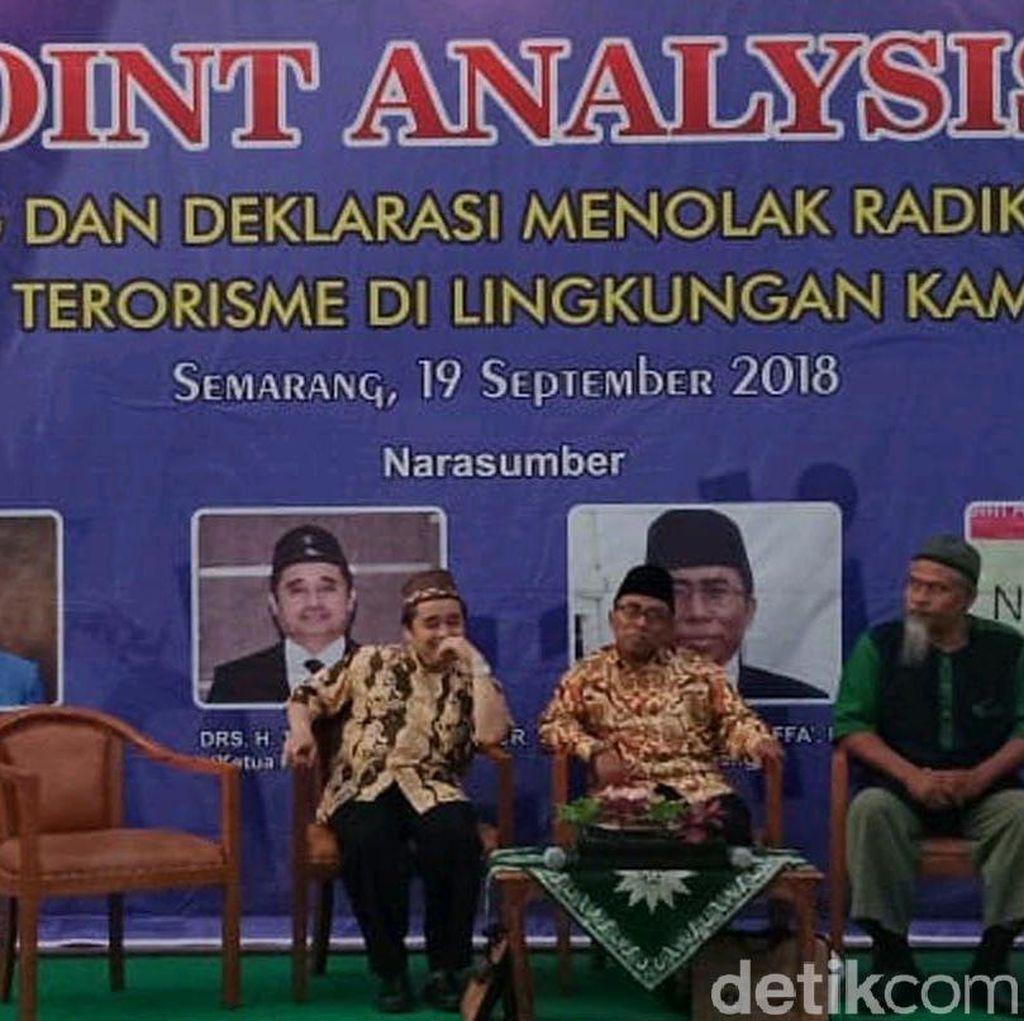 Abu Tholut Bicara ISIS di Depan Mahasiswa Unimus